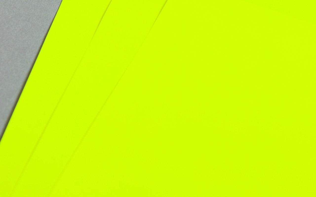 Radiant / fluoreszierend